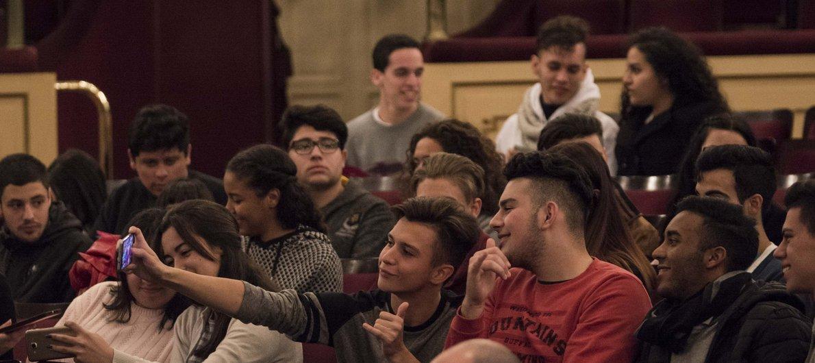 Lanzamiento Jóvenes Críticos