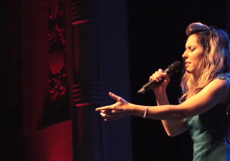 Melonio canta Arenas